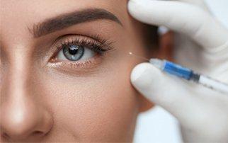 ¿Sabes cuál es la técnica blanching con ácido hialurónico para tratar las arrugas faciales?