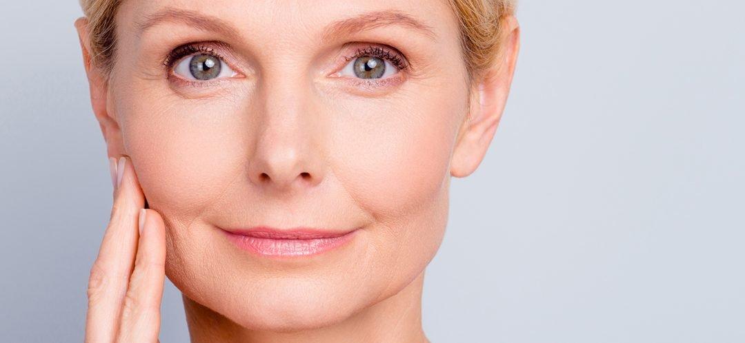Tratamiento express antiarrugas – Cómo quitar las arrugas del entrecejo y la frente